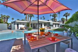 Free Summer Nights in Vacation Homes Palm Springs area